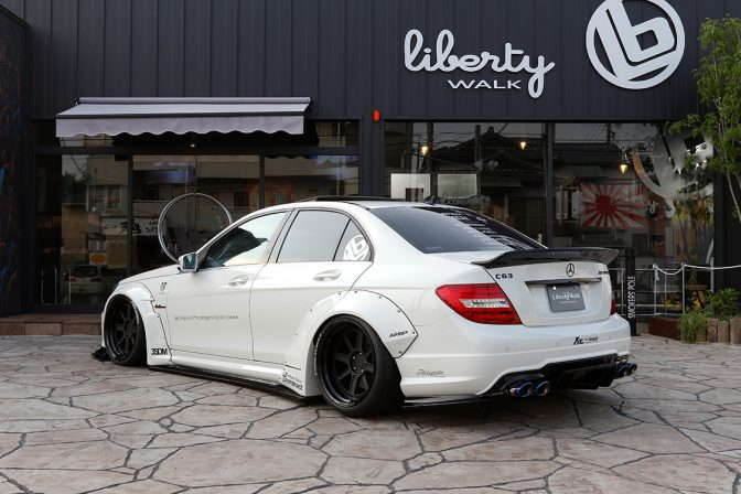 LB★Works Mercedes-Benz C63 Sedan (2007-2014)