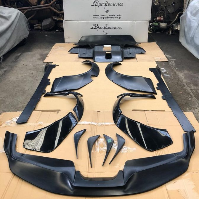 LBWK Ferrari Works 488 Body Kit Unboxed